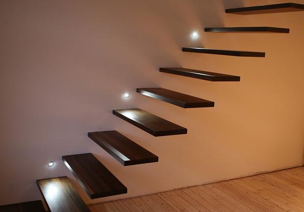 Foto: Møbeleverkstedet produksjon. Svevende trapp