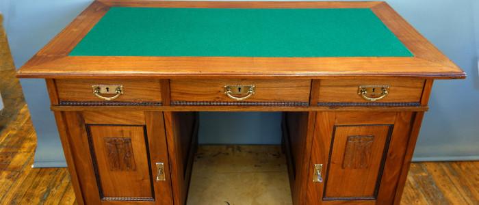 Jugendskrivebord restaurert